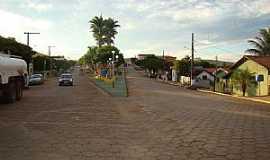 Medeiros - Medeiros-MG-Avenida de entrada-Foto:Jairo Nunes Ferreira