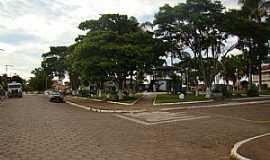 Medeiros - Medeiros-MG-Praça central-Foto:Jairo Nunes Ferreira