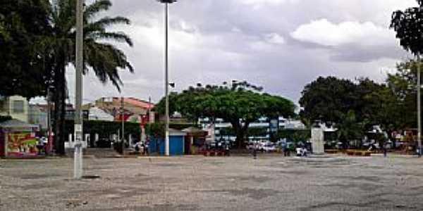 Alagoinhas-BA-Pra�a Lauro de Freitas-Foto:Andre L. S. Lacerda