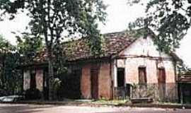 Miraporanga - Casarão em Miraporanga-Foto:Glaucio Henrique Cha…