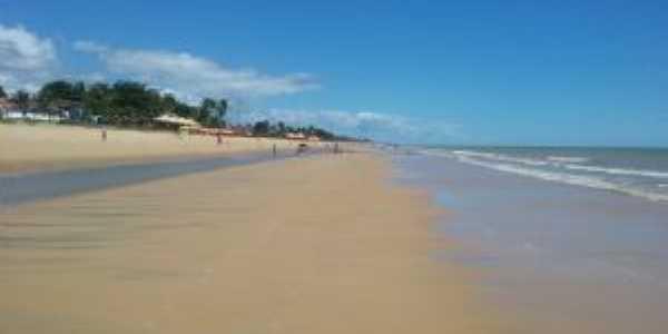 Praia do centro de ALCOBAÇA  - Por Cosme Dantas / RJ