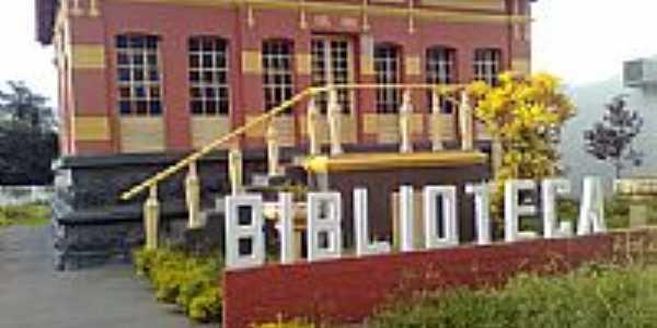 Biblioteca Municipal por Gustavo Enrick