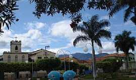 Monte Azul - Monte Azul-MG-Igrejinha antiga na Praça da Matriz-Foto:Edivaldo Fernando dos Anjos