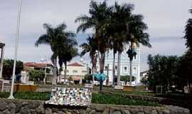 Monte Azul - Monte Azul-MG-Praça e Matriz de N.Sra.das Graças-Foto:Rômulo Henok
