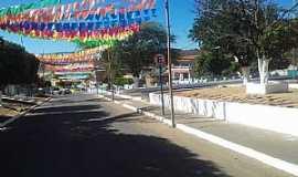 Alegre - Alegre-BA-Avenida principal e praça-Foto:Facebook
