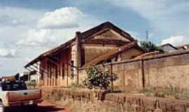 Monte Belo - Esta��o em ru�nas 2001