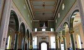 Monte Si�o - Interior da Igreja de N.Sra.da Medalha Milagrosa-Foto:Roberta Soriano e Ar�