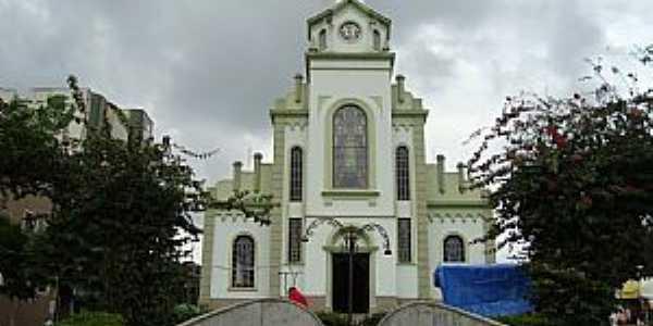 Monte Sião-MG-Fonte e Igreja de N.Sra.da Medalha Milagrosa-Foto:j carlos de c. silva