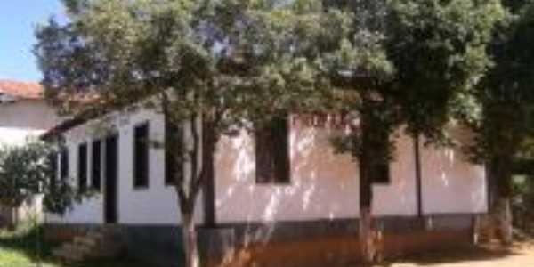 uma das casas mais antigas, Por ze fernandes