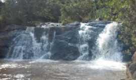 Morro do Ferro - Cachoeira da usina velha, Por Leonardo Augusto Azevedo