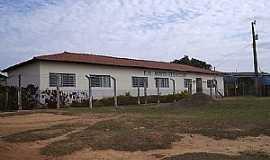 Morro Vermelho - Morro Vermelho-MG-Escola Municipal-Foto:Alexandre Bonacini
