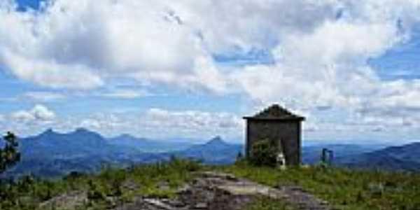 Mutum-MG-Capelinha no Alto da Pedra Santa-Foto:Elpídio Justino de A…