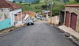 Natércia - Natércia-MG-Ladeira e as montanhas da região-Foto:Gláucio Almeida