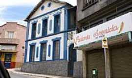 Nova Lima - Casarão em Nova Lima, por Fernando Bezerra.