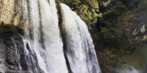Cachoeira da Fumaça, Por Dieny Santos