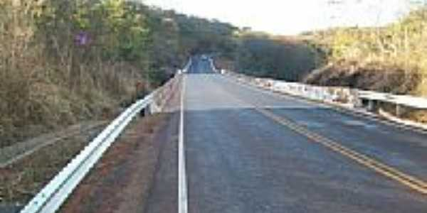 Ponte na estrada indo pra Varzelândia em Olímpio Campos-Foto:marconeguedes@gmail.…