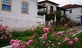 Oliveira - Oliveira-MG-Flores na pracinha-Foto:André Saliya