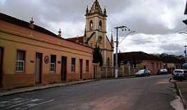 Oliveira - Oliveira-MG-Rua da Igreja da Misericórdia-Foto:André Saliya