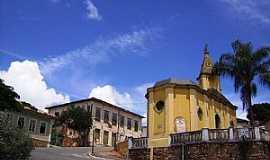 Oliveira - Oliveira-MG-Rua do centro da cidade-Foto:André Saliya