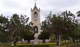 Oratórios - Igreja Matriz de São Jose do Oratório - Oratórios - MG por Geraldo Salomão