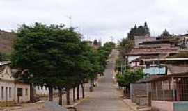 Oratórios - Avenida principal de Oratórios-Foto:Geraldo Salomão
