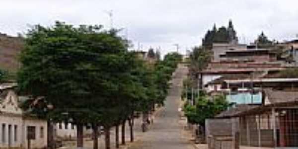 Avenida principal de Oratórios-Foto:Geraldo Salomão
