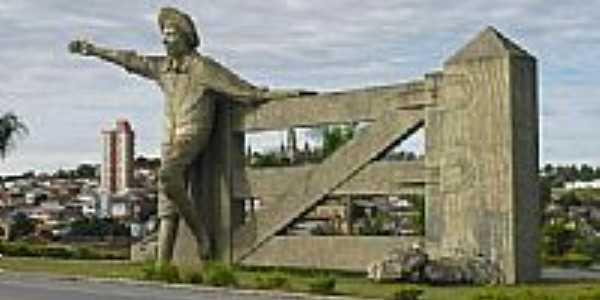Estátua do Menino da Porteira em Ouro Fino-Foto:sorocaba