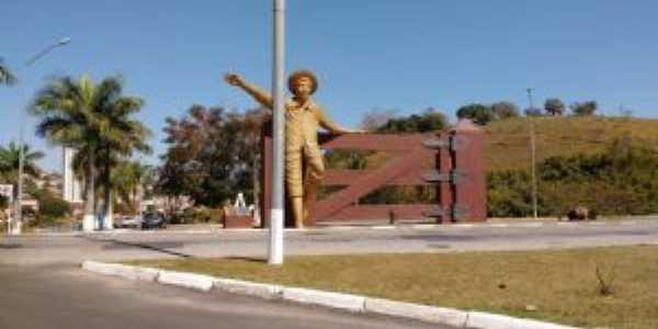 Estátua do Menino da Porteira, Por PAULO ROBERTO CECCON