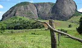 Ouro Verde de Minas - Ouro Verde de Minas-MG-Pedra do Mamute-Foto:JOTALU