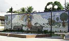 Amélia Rodrigues - Mosaico na Praça do Cruzeiro em Amélia Rodrigues-BA-Foto:Otavio Neves Cardoso