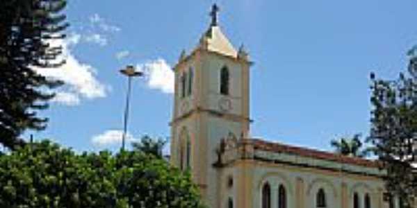 Igreja Matriz de São  Sebastião foto Montanha