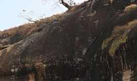 Parais�polis - Pared�o dos Martins em Parais�polis-MG-Foto:gilson grillo