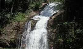 Passa Quatro - Cachoeira Ipor� na Floresta Nacional de Passa Quatro-Foto:Miriam Thom�