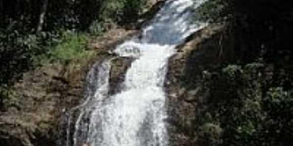 Cachoeira Iporá na Floresta Nacional de Passa Quatro-Foto:Miriam Thomé