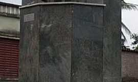 Passa Tempo - Monumento em Passa Tempo-Foto:montanha