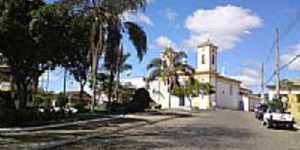 Praça e Igreja em Passa Tempo-Foto:fwelber