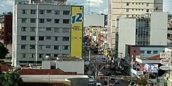 Patos de Minas-MG-Avenida central-Foto:Rogério Santos Pereira