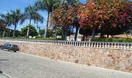 Anagé - Anagé-BA-Praça na Avenida central-Foto:Hernane Mendes de Oliveira