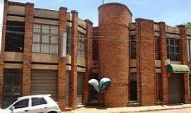 Peçanha - Peçanha-MG-Bela Arquitetura de Prédio Comercial-Foto:Nelson Gusmao