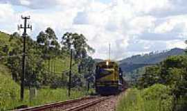 Pedra do Sino - Locomotiva KM 456-Foto:Pedro Rezende