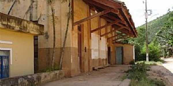 A estação Ferroviária  de Pedra Menina em 24/12/2005. Foto Marcos A. Farias