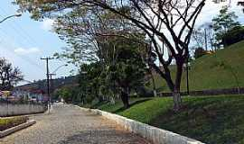 Pequeri - Pequeri-MG-Avenida-Foto:Jorge A. Ferreira Jr.