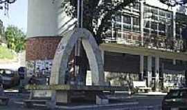 Perdões - Praça do Berimbau