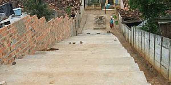 Angico-BA-Escadaria que dá acesso ao Bairro Ouro Verde-Foto:angico-ba.blogspot.com.br
