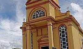 Piedade de Ponte Nova - Igreja Matriz de Santana,depois da reforma, em Piedade de Ponte Nova-Foto:montanha