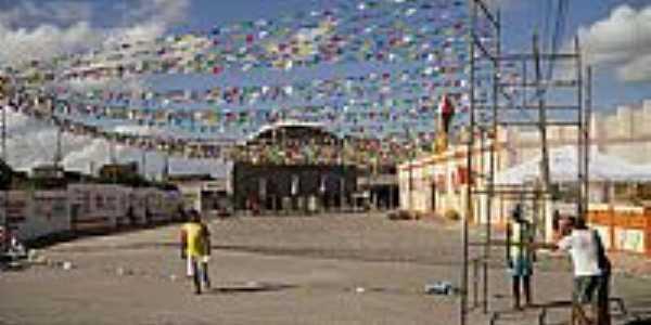 Preparação da festa de São João na Praça Arthur Vieira em Anguera-BA-Foto:Pedro Junior de Jesu…