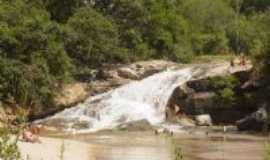 Piedade dos Gerais - Cachoeira do Encontro, Por Elis Regina