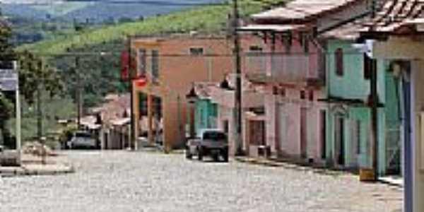 Rua em Piedade dos Gerais-Foto:Maximiano