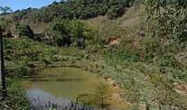 Pinheiros Altos - Lagoa em Pinheiros Altos-MG-Foto:urbonu.