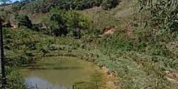 Lagoa em Pinheiros Altos-MG-Foto:urbonu.